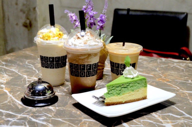 frappe and green tea cheesecake at coffee grounds davao
