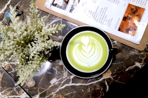 green tea matcha latte at coffee grounds davao
